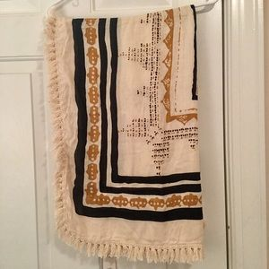 Accessories - Gorgeous Scarf. NWT.